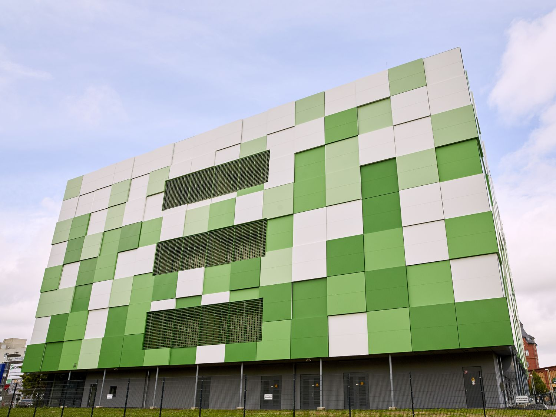 Fassade des maincubes-Rechenzentrum FRA01