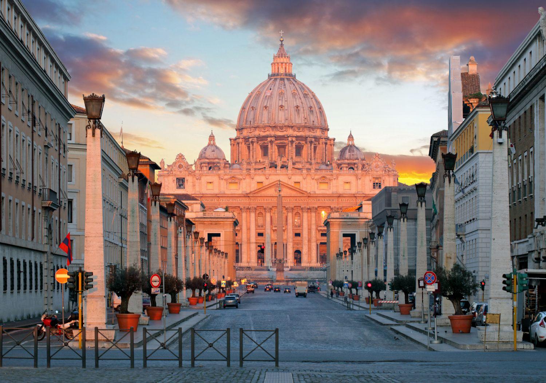 Der Vatikan im Sonnenuntergang. Thema: Digitalisierung der Metropolen. Foto: TomasSereda